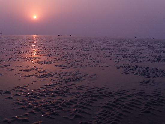Shantinivas Hotel : the sun rise