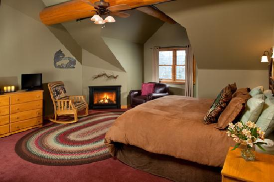 Bear Mountain Lodge : Cowboy - Beautiful Room with King Bed