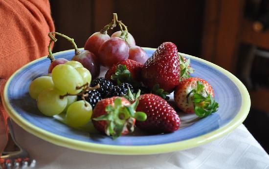 Castiglion Fiorentino, Italy: 地元産新鮮なフルーツ