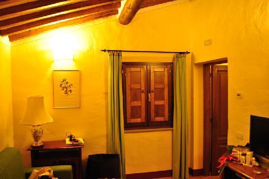 Castiglion Fiorentino, Italy: 二重の木窓