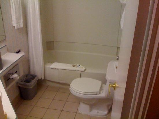 Best Western New Oregon: Bathroom, clean but kinda small.
