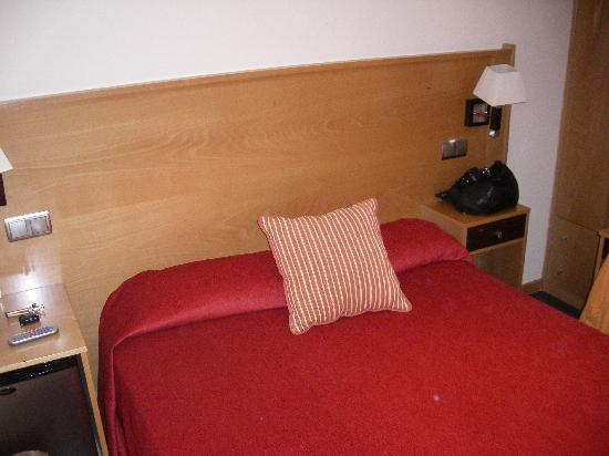 Hotel Real Illescas: cama