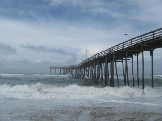 Avon fishing pier picture of hatteras island outer for Fishing outer banks nc