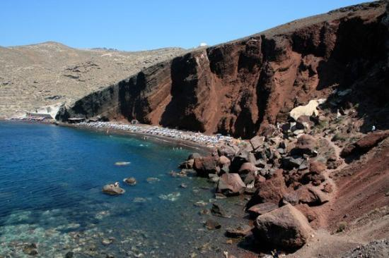 Oia, Grecja: red sand beach, Ia