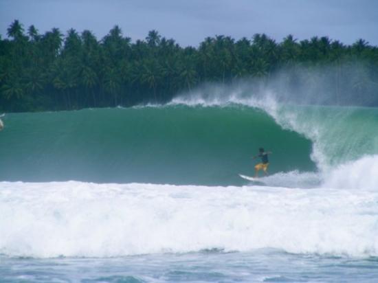 Pulau Nias, Indonesia: You gotta love low tide