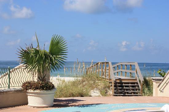 Sunrise Motel: Zugang zum Strand
