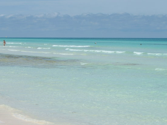 Cayo Coco, Cuba: Lovely beach clear waters.