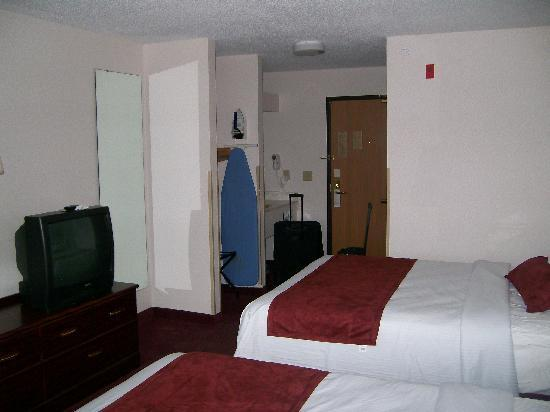 Baymont Inn & Suites Piqua: 2 Double Bed Room