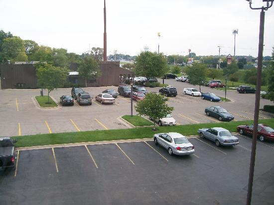 Baymont Inn & Suites Piqua: 3rd Floor View Of Parking Lot