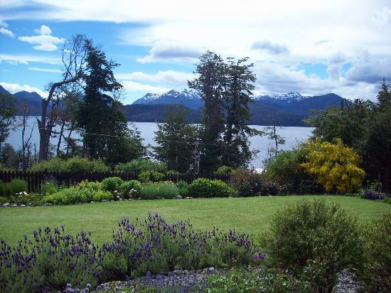 Hosteria Le Lac: jardin2