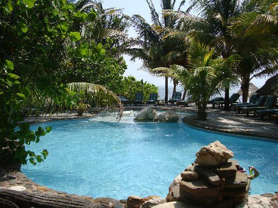 Xanadu Island Resort: What a gorgeous pool!