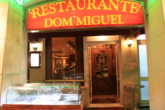Tempo : The front of Dom Miguel
