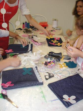 Mosaik - Kids Craft Store and Cafe: DIY Handbags for girls