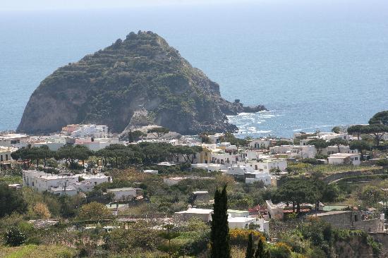 Hotel La Ginestra: Aussicht nach St. Angelo