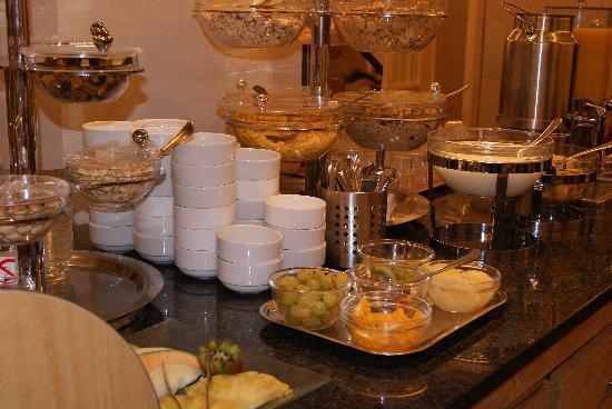 Binnenhof Hotel : buffet