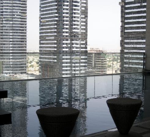 Bonnington Jumeirah Lakes Towers : The Leisure Deck