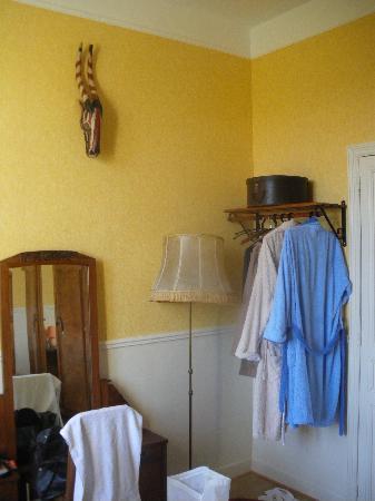 Le Chalet des Poetes: habitación Senghor