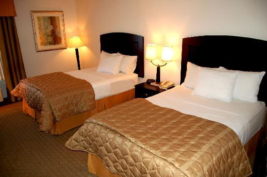 Radiance Inn And Suites: 2 beds - 2010
