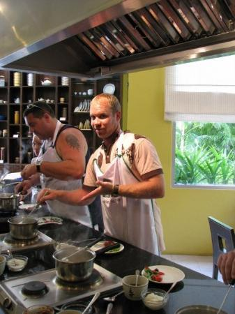 Holiday Inn Resort Phuket: Troy cooking up a storm in our Thai cooking class at our resort.