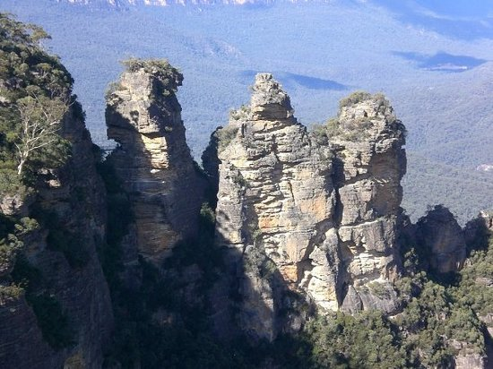 Australian Day Tours: The Three Sisters