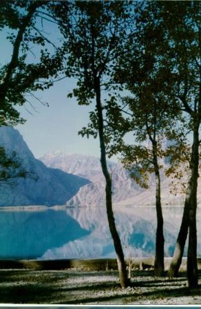 Dushanbe, Tadjiquistão: Lake IsKanderkul