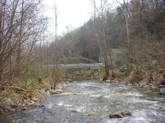 The Inn at Sugar Hollow Farm: close to the river