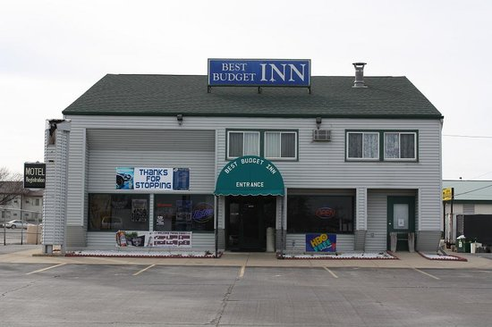 Best Budget Inn: Motel Front