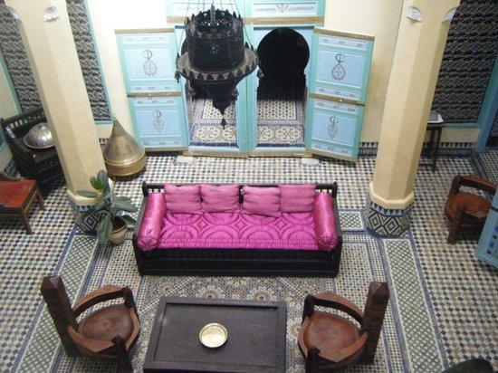 Riad Amazigh Meknes: Le patio vue du balcon du 1er étage