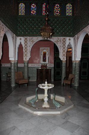 L Mansion Marrakech: Entryway Fountain