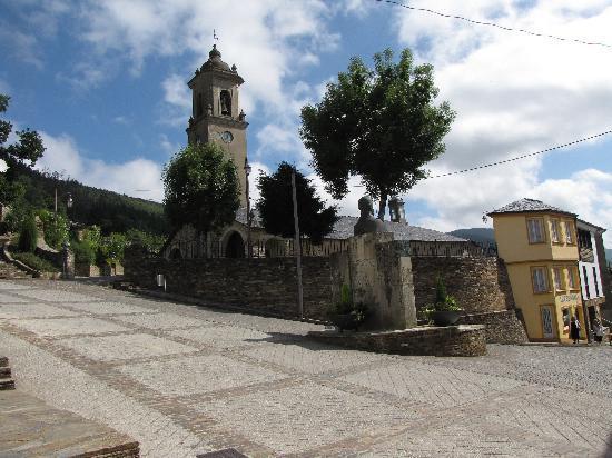Taramundi, España: beautiful church in town