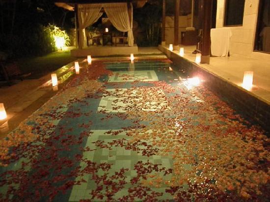 The DreamLand Luxury Villas & Spa: \candlelight dinner decoration