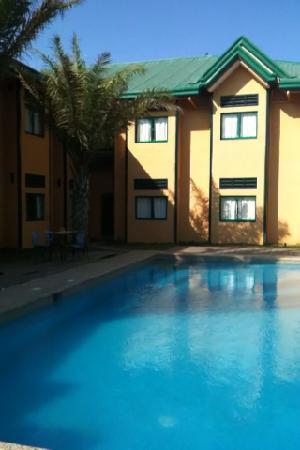 Cabanatuan City, ฟิลิปปินส์: 綺麗なプールでした