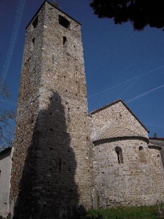 La Spezia, Italia: San Venerio in Migliarina (X sec.) - Torre e abside