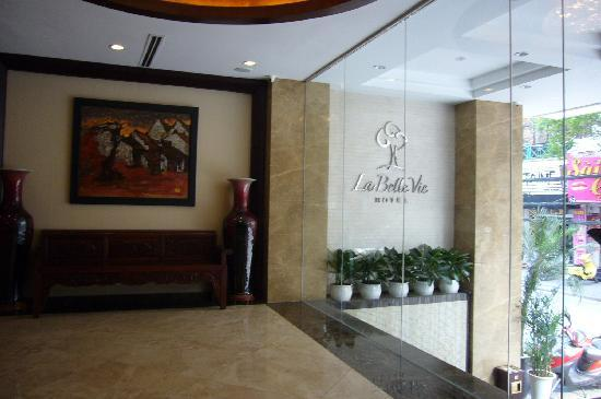La Belle Vie Hotel: taken from lobby
