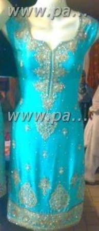 Casablanca, Morocco: here is a another caftan it is beautifull also adel you chose  an pick out what you want me to w