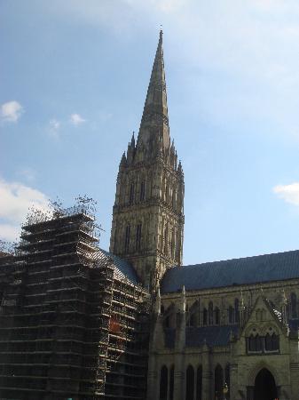 Mercure Salisbury White Hart Hotel: Salisbury Cathedral