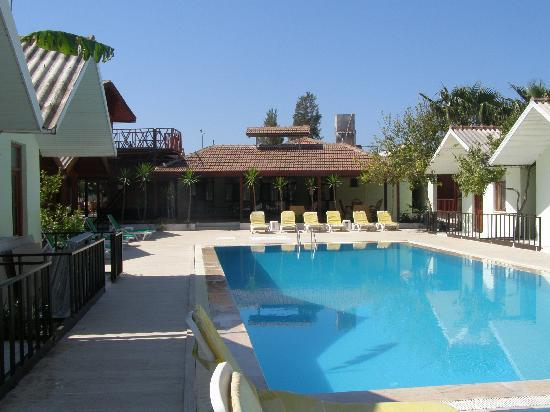 Royal Side Bungalows Hotel: The Bungalows