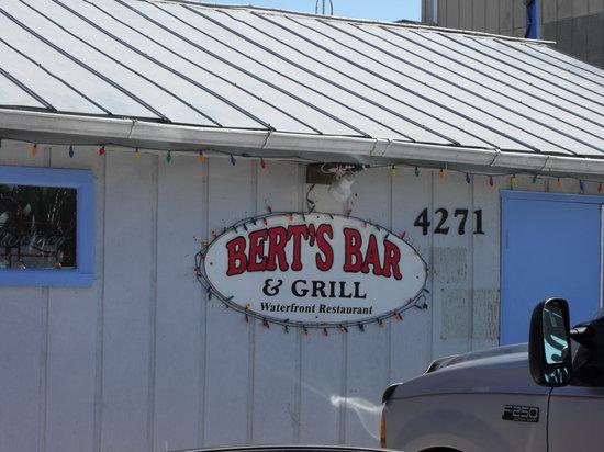 Bert's Bar & Grill: Bert's