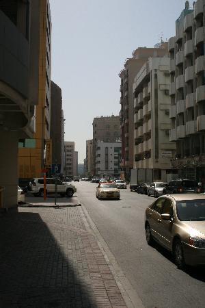 Comfort Inn Hotel: location of the hotel on 38th street, Al Rigga