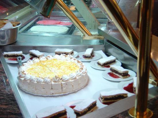 Qawra Palace Hotel: Hotel Sweets