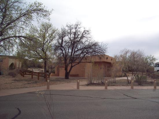 Wahweap Campground : One of many bath houses