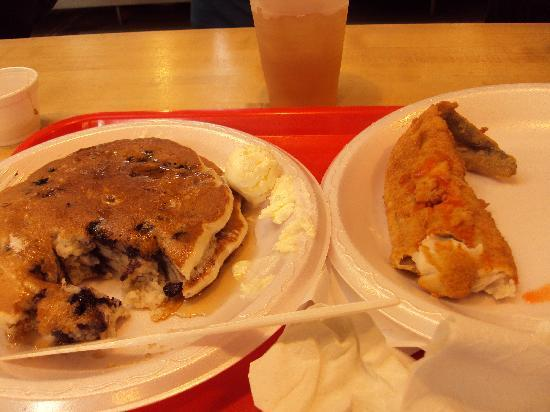 Blueberry pancakes n fish market lunch picture of for Cherry street fish market