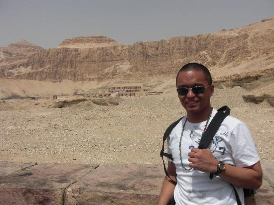 Emo Tours - Day Tours: Queen Hatshepsut's Temple