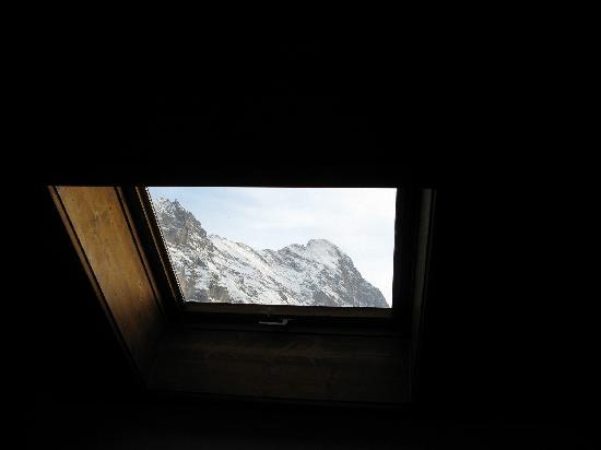 Hotel Gletschergarten: skylight looking on Eigerhorn