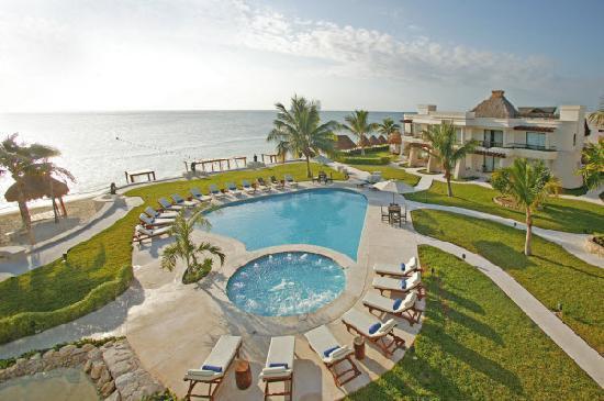 Azul Beach Hotel: Aerial View