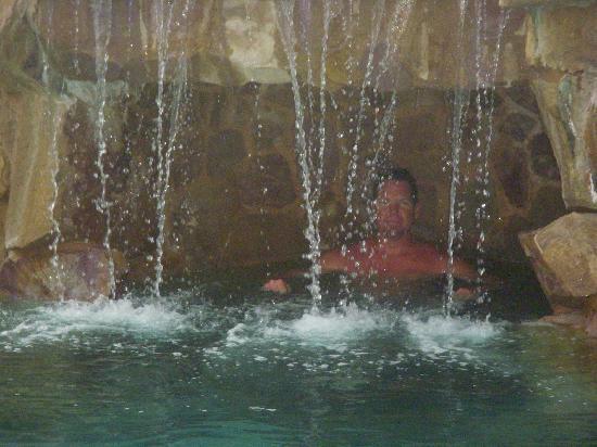 Villa La Estancia Beach Resort & Spa Los Cabos: Nice pool and swim up bar!