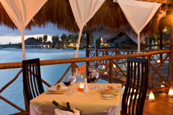 El Dorado Maroma, a Beachfront Resort, by Karisma: Gazebo Dinner