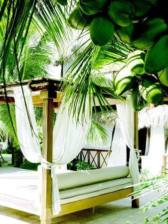 El Dorado Maroma, a Beachfront Resort, by Karisma: Balinese Bed