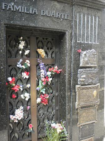 Palermo Viejo Bed & Breakfast: Recoletta Cemetary & Museo Evita near by