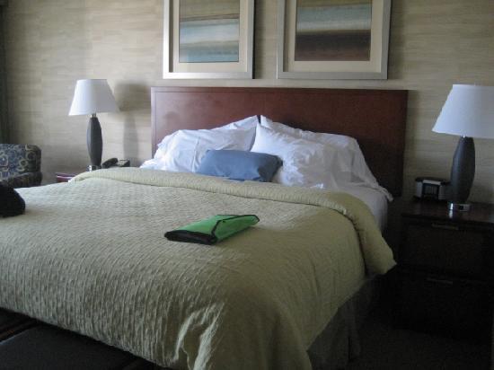 وست بيتش إن أكوست هوتل: king bed